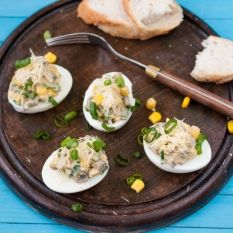 Jajka faszerowane pieczarkami i kukurydzą