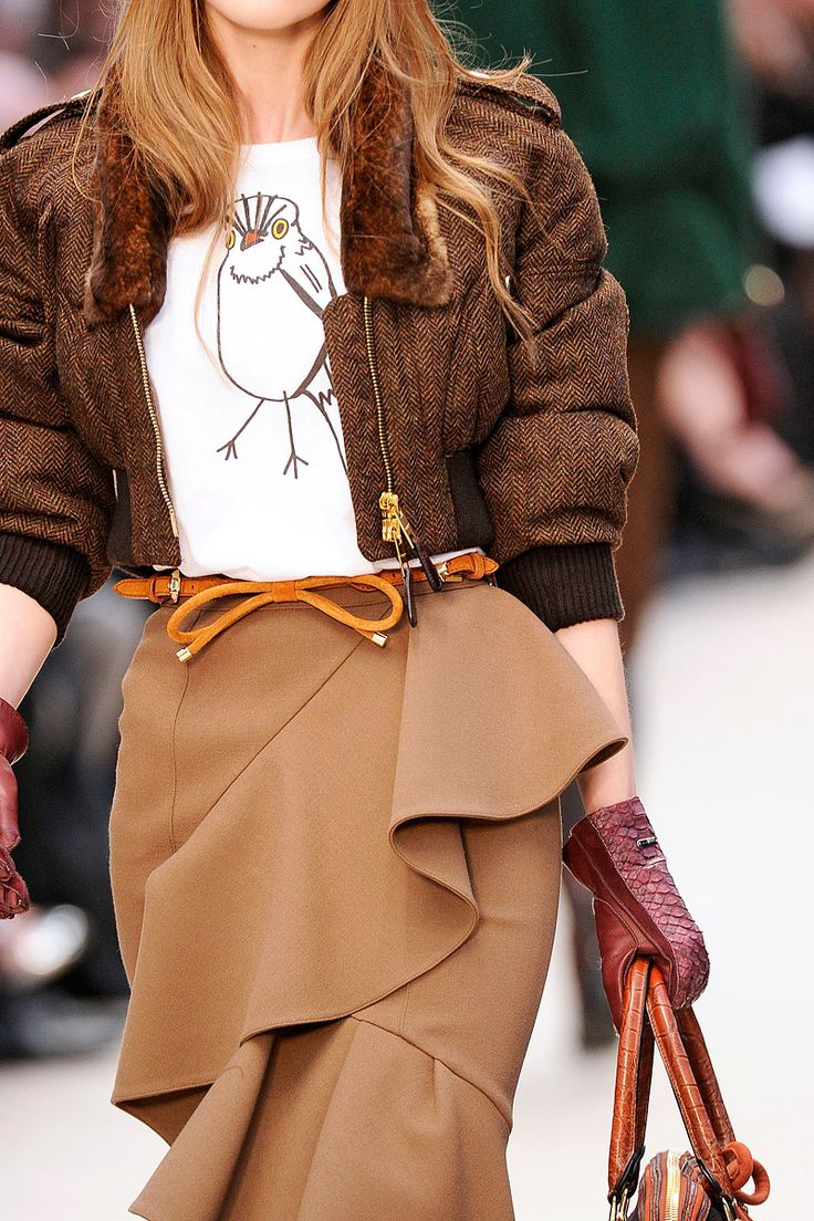 burberry prorsum: Brown Dresses, 2Dayslook Browndress, Belts Burberry, Prorsum Details, Prorsum Rtw, Fall 2012 2013, Burberry Prorsum, Camels Skirts, Prorsum Fall