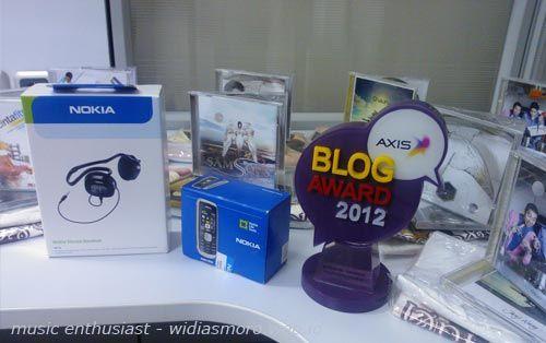 bagi2 hadiah buat ungkapan terima kasih axis blog award