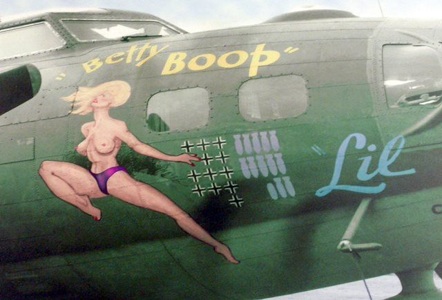 "B-17 ""BETTY BOOP"""