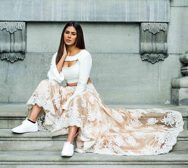 @sonambajwa in M A N I  J A S S A L bride  Ph: @bsinghh  #photoshoot#editorial#fashioneditorial #highfashion#fashionshoot#manijassal#mkj#ootd#ootn#bride#bridalshoot#manijassalbride#indianbride#handmade#canadianmade#dupatta#photographer#laceskirt#ootd#ootn#potd#lacelengha#weddingshow#bridalshow#sonambajwa#punjabiactress#actress#bollywood#sonam