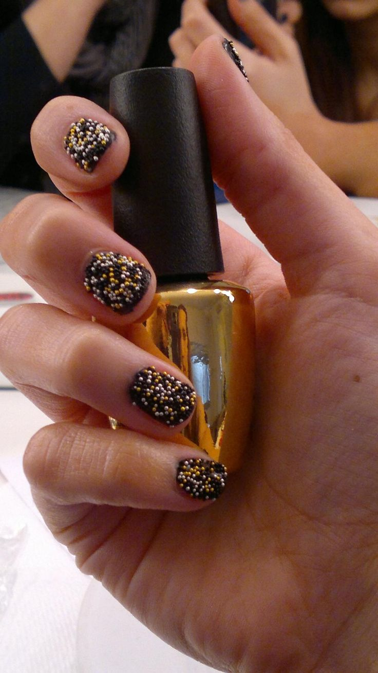 Diseño uñas caviar https://www.facebook.com/PatriciaJulioNailArtist/photos/a.167526653396768.1073741825.161736747309092/350400171776081/?type=1&theater… pic.twitter.com/4aCwBS7Cgy