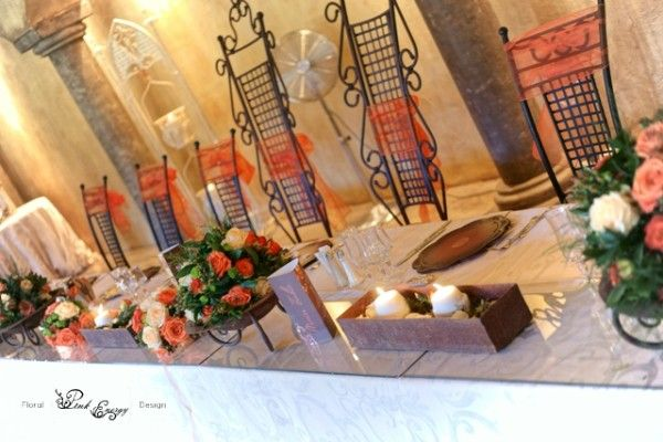 Greenleaves - main table. Floral Design  by www.pinkenergyfloraldesign.co.za