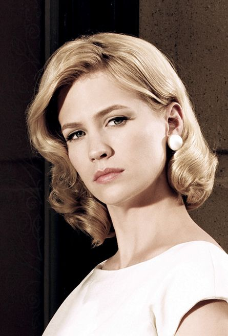 January Jones, what a lovely name and what a lovely looking woman! Her role as Betty Draper is perfect. The issues her character has, is convincing on-screen.