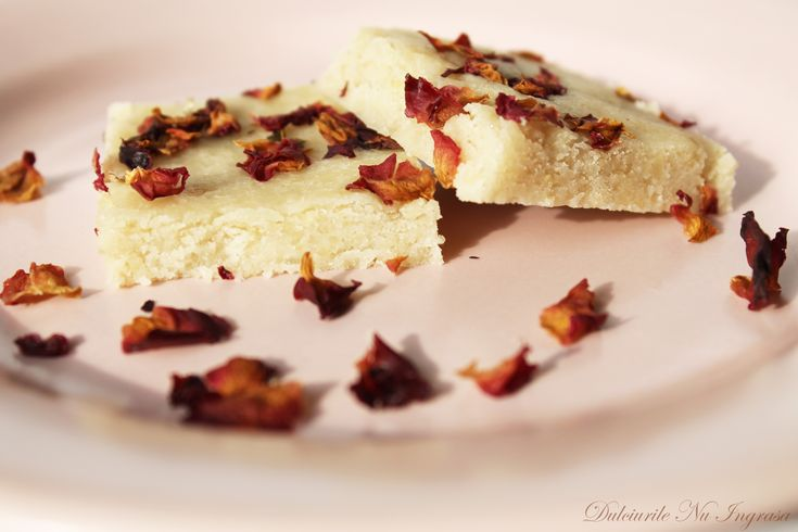 Caju Fudge cu Aroma de Trandafir (fara zahar, vegan, 100% sanatos) |