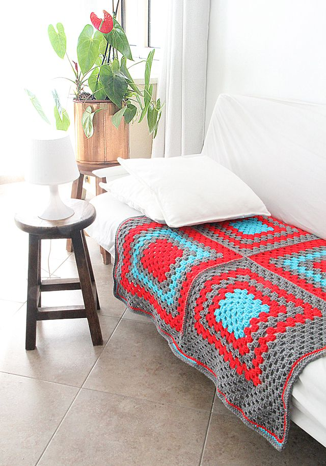 Crocheted Granny Square Coverlet With 4 squares - I love her blog, so many fresh and wonderful ideas!
