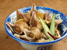 つぶ貝の煮付け 、 下茹して唾液腺をとる レシピブログ