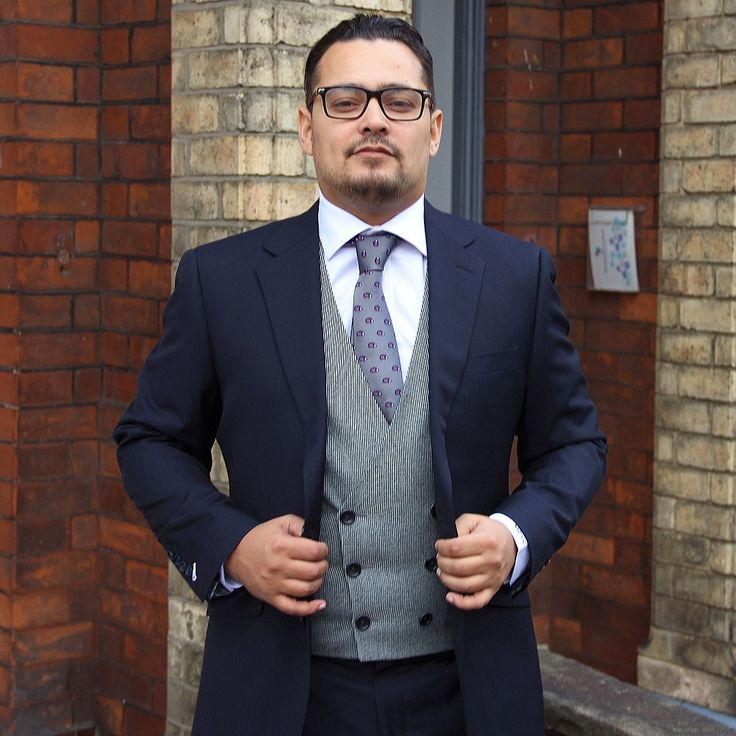 Three piece suits with contrasting waistcoats are a hugely popular fashion choice at the moment.   Here's Marco, one of our recent Harris & Howard grooms rocking the style in his navy herringbone suit with a black/white houndstooth waistcoat!  #jacket #model #tailors #tailoring #bespoke #luxury #wow #wedding #photo #photography #image #fujifilm #love #herringbone #houndstooth #alderleyedge #england #uk #texas #usa #professional #manchester #london #party #marriage #trousers #suit #shirt #tie…