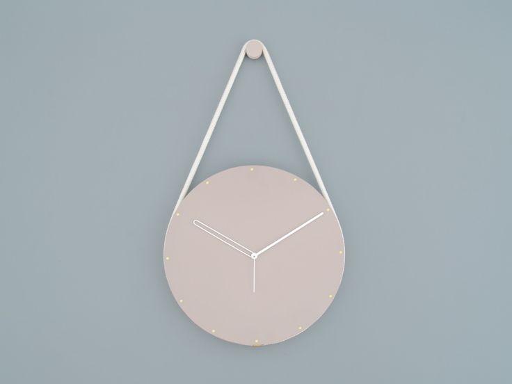 63_lukaspeet-hanging-clock-grey