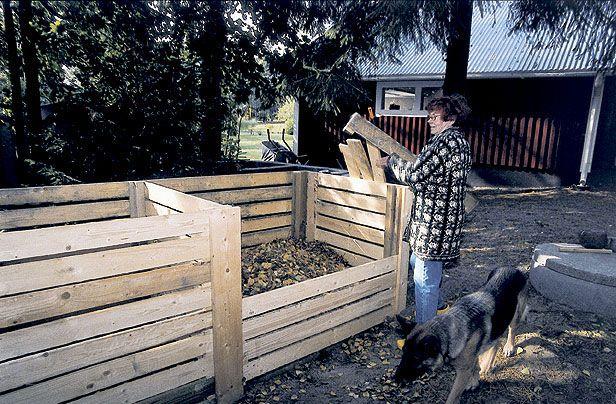 Sylvi Salo ja Timo Lähde kokoavat kaikki jätteet pihalta puutarhatraktorin perässä vedettävään kerääjään ja vievät ne kompostointipaikalle. Piharoskat muuttuvat avokompostissa parissa vuodessa lehtimullaksi, ja kannellisesta, eristämättömästä kompostorista saa talousjätteistä vahvaa multaa jo seuraavana keväänä. Timo Lähteen ja Sylvi Salon suurella omakotitontilla Sammatissa on paljon lehtipuita. Perheellä on kasvimaa, hedelmätarha ja kukkapenkit, joten jätettä tulee. Jätteestä syntyy…
