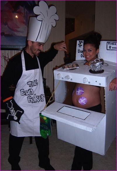 25 Pregnancy Halloween CostumeIdeas - blog - Pregnant Chicken