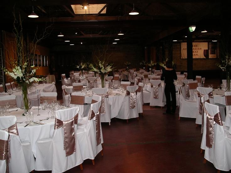 #beigecolours #weddingreception #freshflowercentrepiece