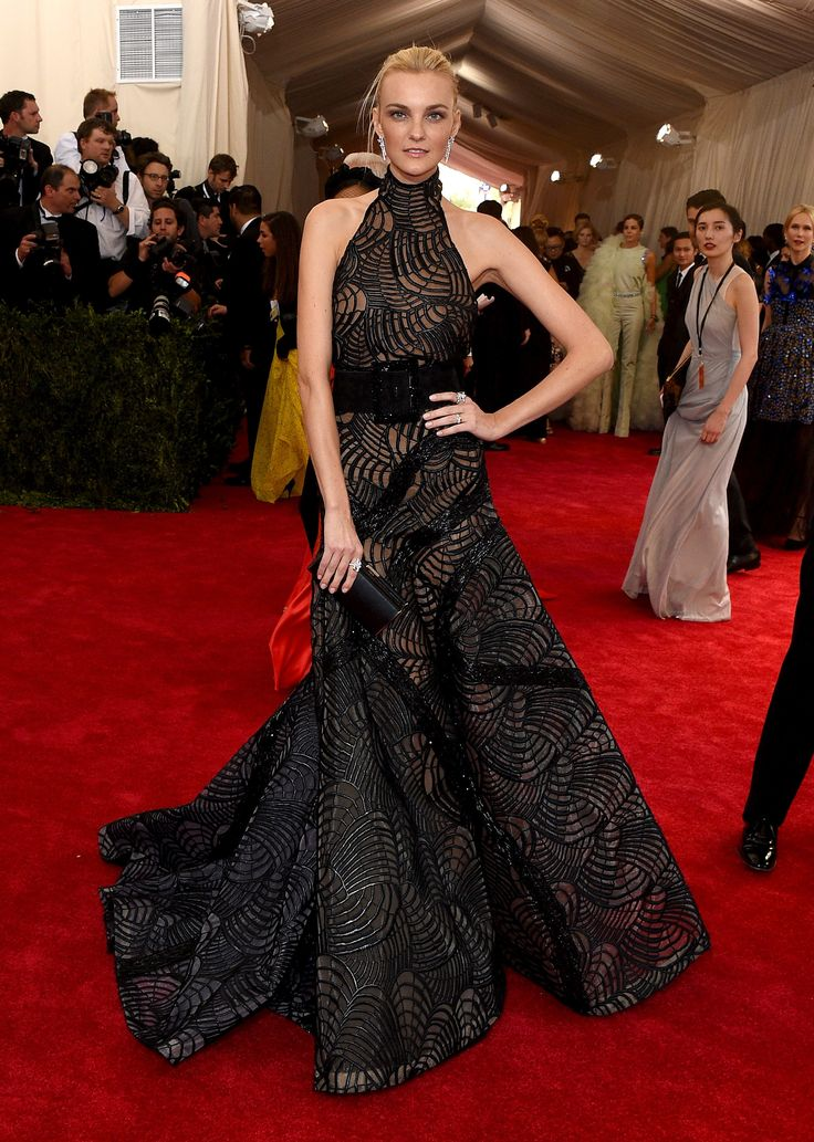 Caroline Trentini in Atelier Versace at the Met Gala 2015