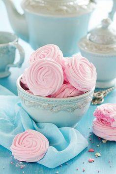 Рецепт невероятно вкусного зефира!Я очень люблю этот сладкий и полезный десерт. Недавно, я наткнулась в интернете на рецепт зефирной начинки для macarons. Она мне настолько понравилась, что я стала…