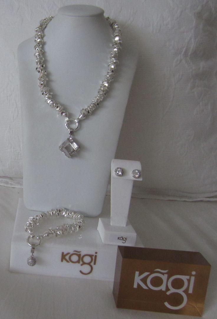 Good Day Sunshine! Vandaag een dag met een KAGI silver randje. Prachtige #KAGI Silver Lux #ketting en #armband. Hieraan geklpt hanger #Cubist en bedel #sprakle . Oorbellen #orbit.