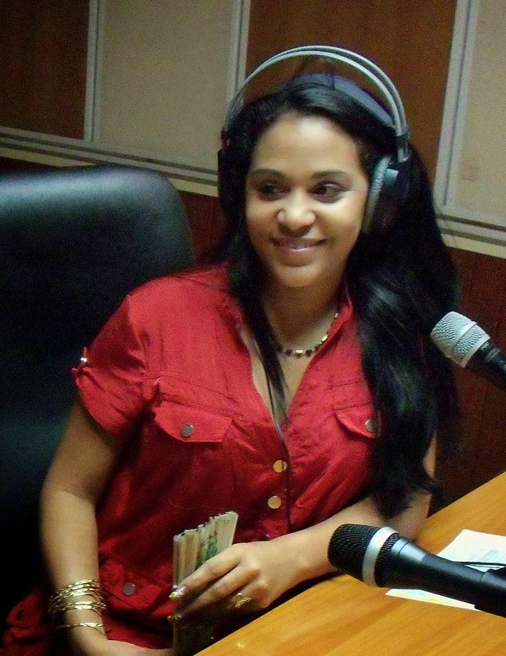 Cubasoyyo: Monica Mesa - Como le digo a mi corazon (Feat. Manolito Simonet) (TV CUBANA 2014)