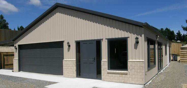 double-garage-with-living-quarters