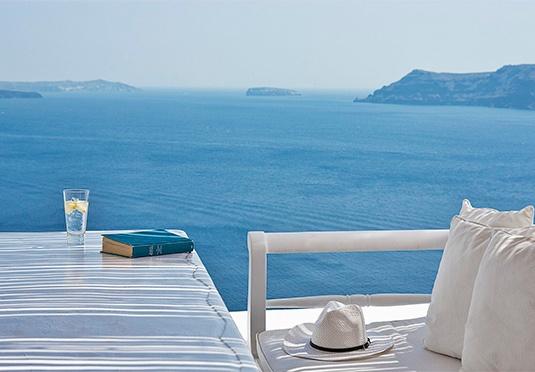 VILLA KATIKIES Santorini | Greece