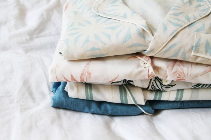 Desmond & Dempsey make beautiful pyjamas from fine cottons.All our prints are hand painted prints and unique to Desmond & Dempsey.Come and escape with us!