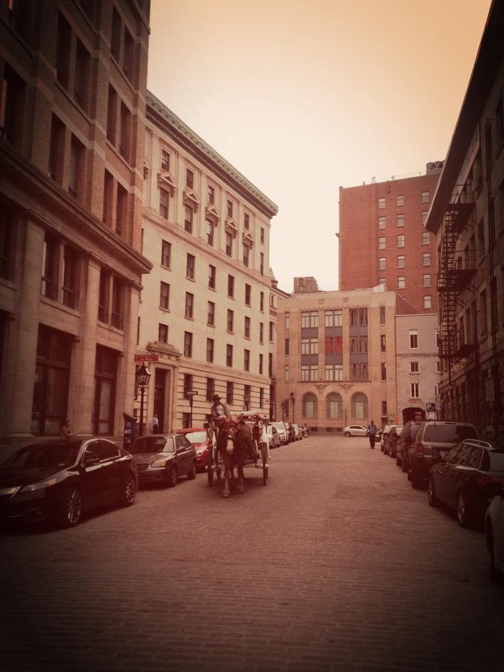 Caminar por estas calles es como hacerlo por Europa pero mucho más cerca de casa (Argentina). :)