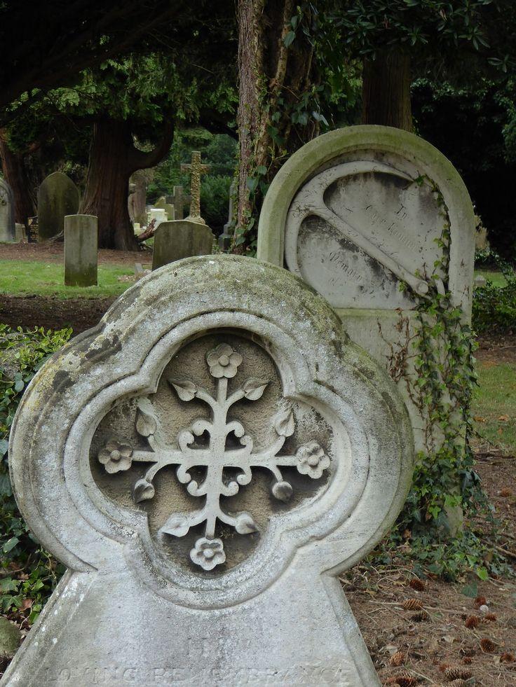 In Loving Remembrance Of, Hillingdon.  Hillingdon & Uxbridge Cemetery, London Borough of Hillingdon.