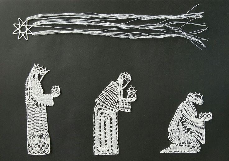 Les rois mages. Modèle issu de la revue La Dentelle. Interprétation de Victoria Gervier en lin 60/2.