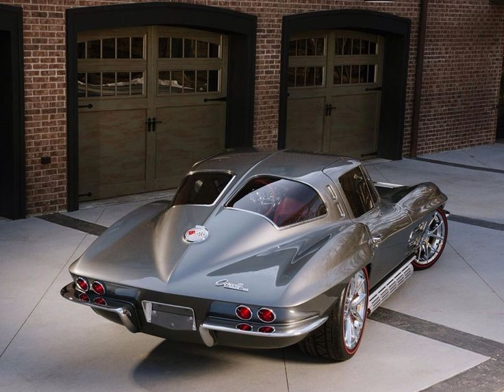 1963 Corvette Stingray LS3 — split rear screen... check out those side-pipes!