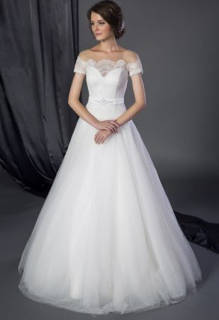 Best 25 Petite wedding gowns ideas only on Pinterest Tall