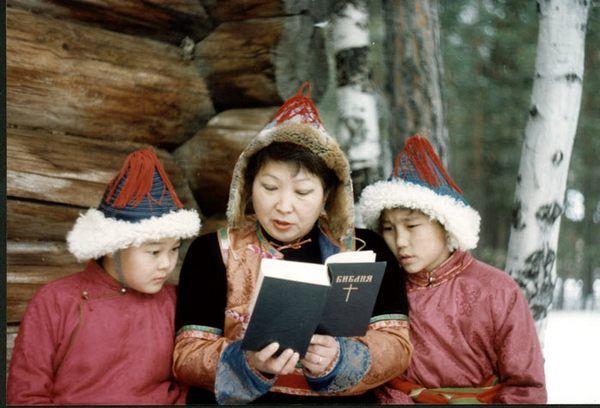 Ορθόδοξη Γυναίκα: Από ποια ηλικία να προσφέρουμε στα παιδιά μας την Αγία Γραφή προς ανάγνωση;