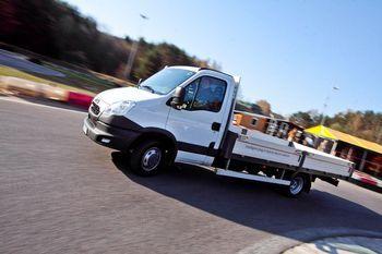 Литовская компания Elinta EV построила гибридный грузовой автомобиль iPHEV Iveco Daily, который превосходит по ряду параметров именитые зарубежные аналоги.