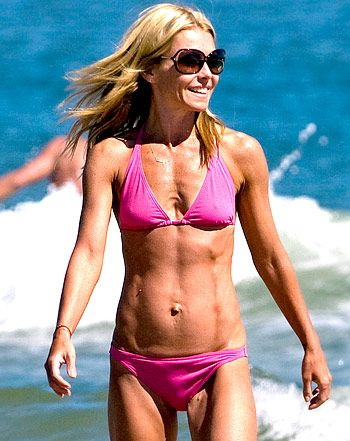 kelly ripa learn her arm ab workout from trainer anna