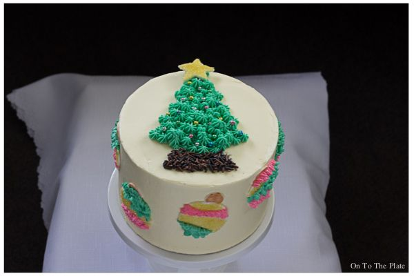 Lemon Yoghurt Cake with a festive look   On to the plate Buttercream frosting, Christmas ornaments