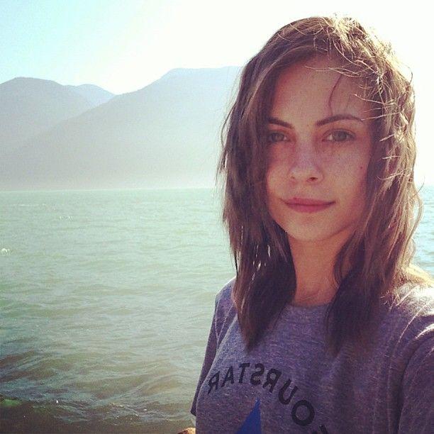 Willa Holland- hair cut