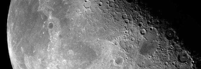 A Agência Espacial Americana está com planos ambiciosos: iniciar um processo deterraformaçãoda Lua, produzindo água a partir das rochas existentes no nosso satélite natural.A missãoRESOLVE(Regolith and Evironment Science and Oxygen & Lunar Volatile Extraction - sem tradução direta, mas algo como
