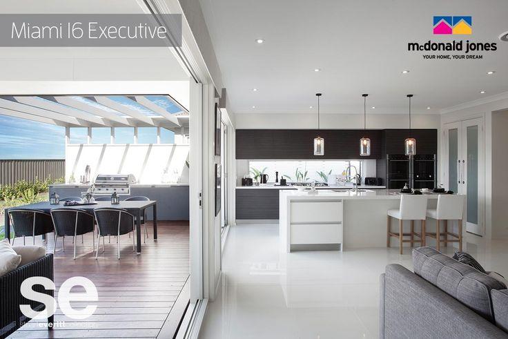 True Aussie living. The kitchen and alfresco in the McDonald Jones Miami. #mcdonaldjones #alfresco #kitchen #newhome #hoomebuilder #displayhome