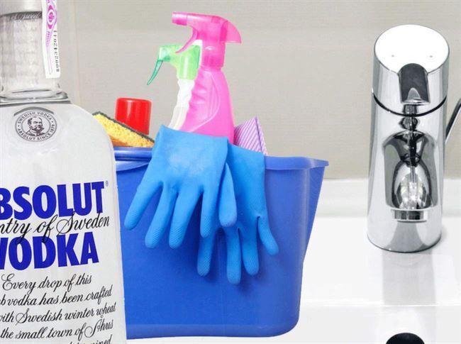 Vodka är faktiskt ett riktigt bra rengöringsmedel. Med vodka kan du slippa bland annat illaluktande kläder och putsa smutsiga kranar.