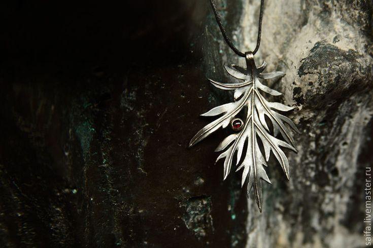 """Sagebrush necklace, silver. Кулон """"Полынь"""" с камнем - серебряный, серебро, полынь, лист, кулон, растение, осень, черный"""