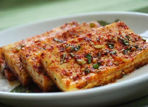 Korean Bapsang: Dubu Jorim (Korean Braised Tofu)