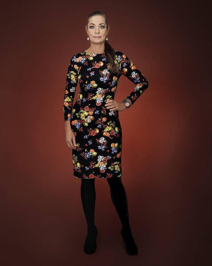 Fruktigt vacker i höst 🍁🍒🍊 #camillathulin #stilmedthulin #vacker #kvinna #woman#fashion #mode #stil #autumn @mmecamillathulin