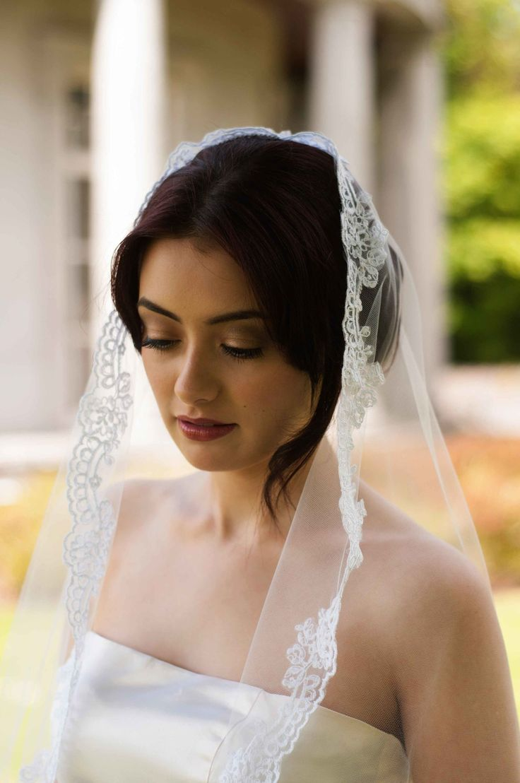 """complete guide to wedding veil lengths to help you choose the perfect veil to match your wedding dress on your big day""  https://www.loveandlavender.com/2015/07/the-complete-guide-to-wedding-veil-lengths/"
