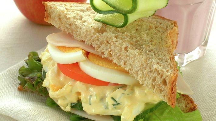 Sandwich med eggesalat - Sunn - Oppskrifter - MatPrat