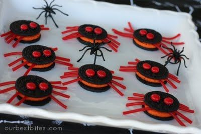 Halloween Spiders: Oreos, Twizzlers and Red Hots!: Halloweenfood, Halloween Party Foods, Spiders, Food Ideas, Halloween Snacks, Halloween Parties Food, Halloween Treats, Halloween Food, Halloween Spider