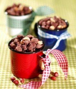 Ideias simples e divertidas de decoração e disposição para festa junina:                                                  Centros de mesa: ...