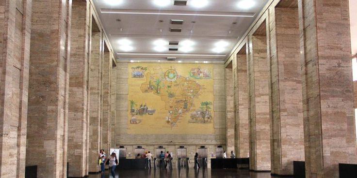 Saguão de entrada do Edifício Matarazzo, sede da Prefeitura de São Paulo desde 2004