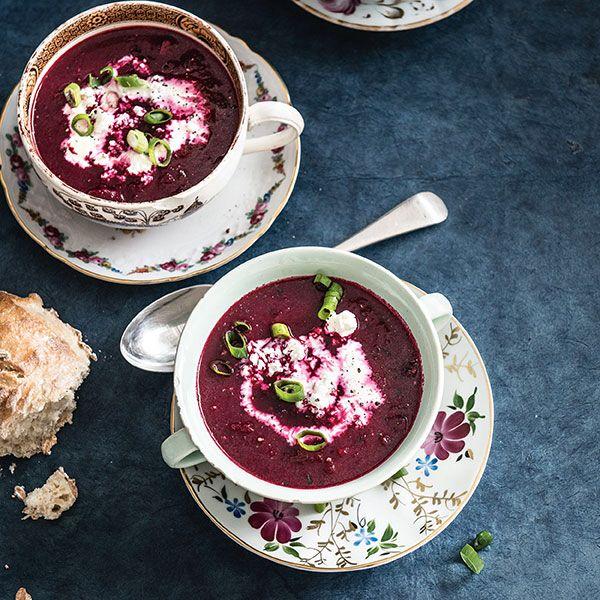 Friszoete bietensoep   Voorgerecht  Soep  Vegetarisch 4 personen 10 - 20 minuten…