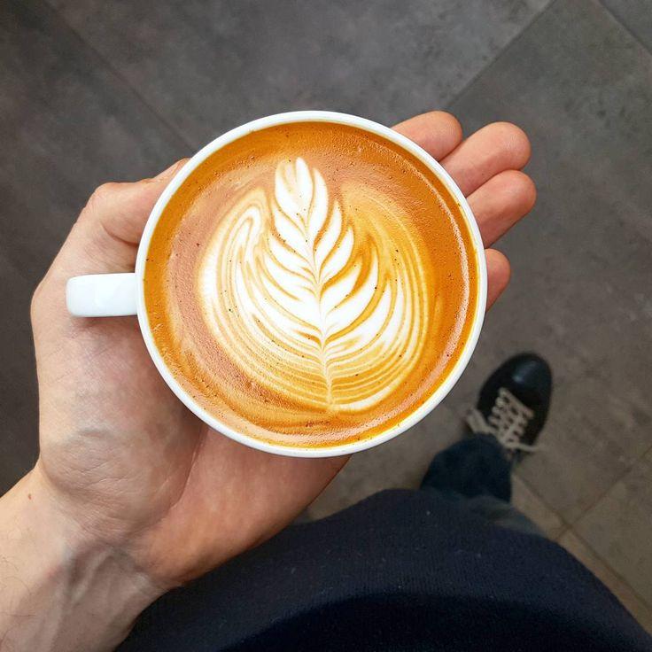 It's a red cappuccino kinda day!  #redespresso #redcappuccino #rooibosespresso #rooiboscappuccino #latteart