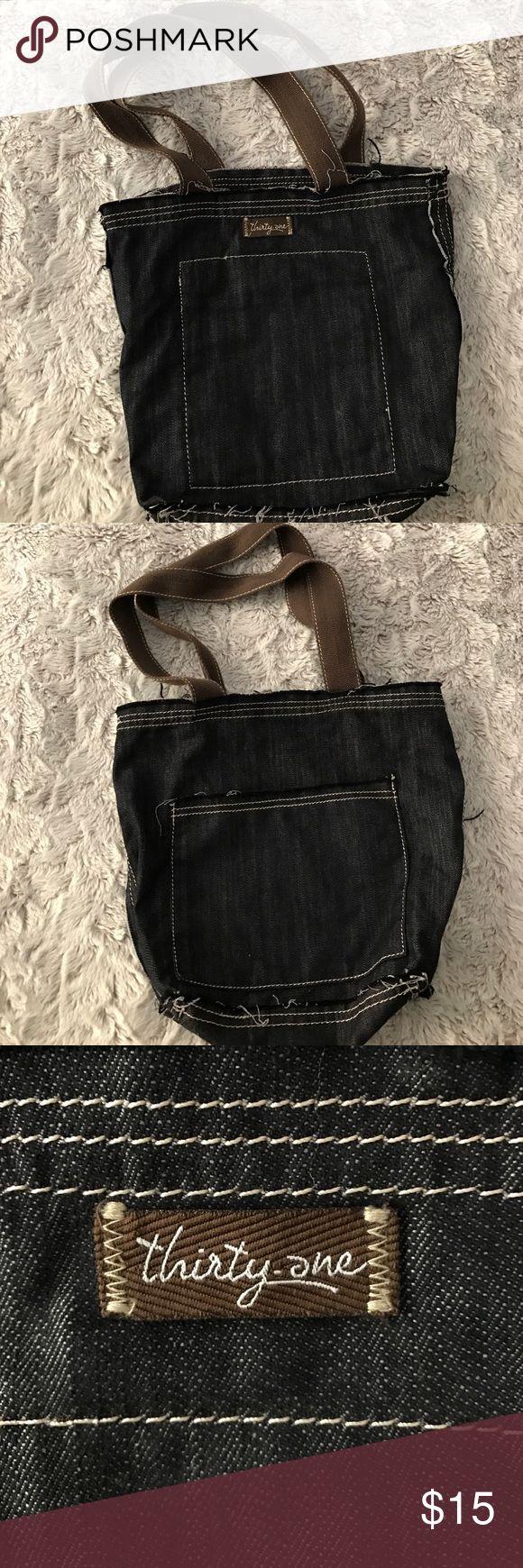 Thirty One bag Soft denim handbag, inside pockets, NWOT Thirty One Bags Shoulder Bags