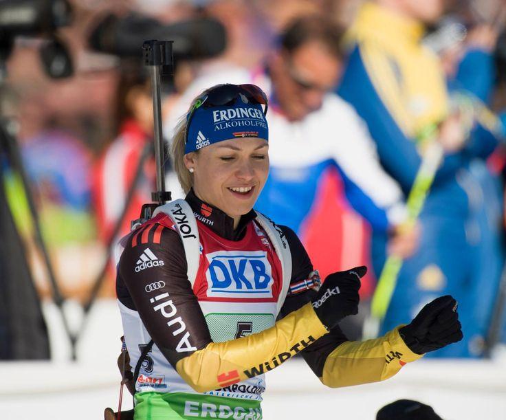 """Magdalena """"Lena"""" Neuner — ehemalige deutsche Biathletin ☼"""