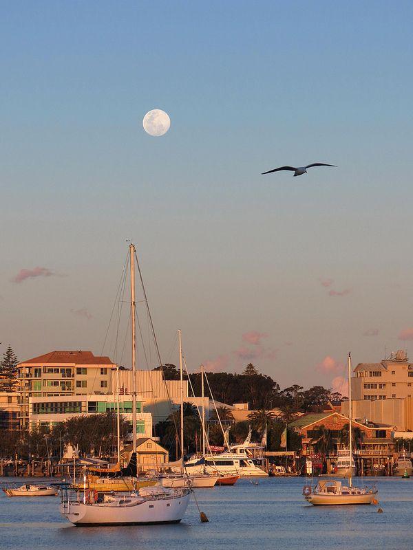 Blue Moon Rising! Port Macquarie, Australia