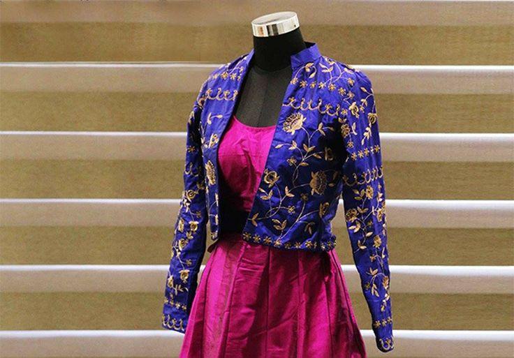 A well know name for all kinds of designer clothes. Address: 107, ratna high street, naranpura, Ahmedabad. Contact: 099041 59951 #Fashion #Clothing #LehngaCholi #Saree #CityShorAhmedabad